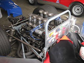 Repco - Repco Brabham 760 series 5-litre quad cam V8 engine in the Matich SR4 sports car