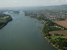 river which flows through wiesbaden to meet the rhine