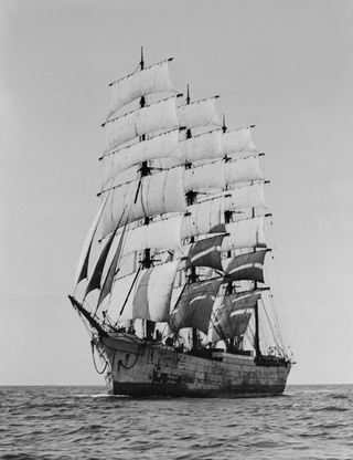 Richelieu ex Pola in full sail - SLV Allan C. Green H91.108-371.png