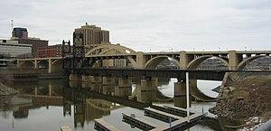 Robert Street Bridge - Picture of the Robert Street Bridge taken in early spring, 2006.