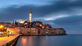 Rovinj by night.jpg