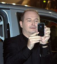 http://upload.wikimedia.org/wikipedia/commons/thumb/a/af/S%C3%A9bastien_Cauet_2011.jpg/200px-S%C3%A9bastien_Cauet_2011.jpg