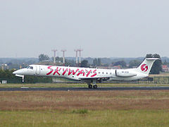 SE-DZB-Embraer ERJ145-Skyways.jpg