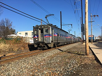 Warminster Line - Southbound Warminster Line train between Warminster and Hatboro stations