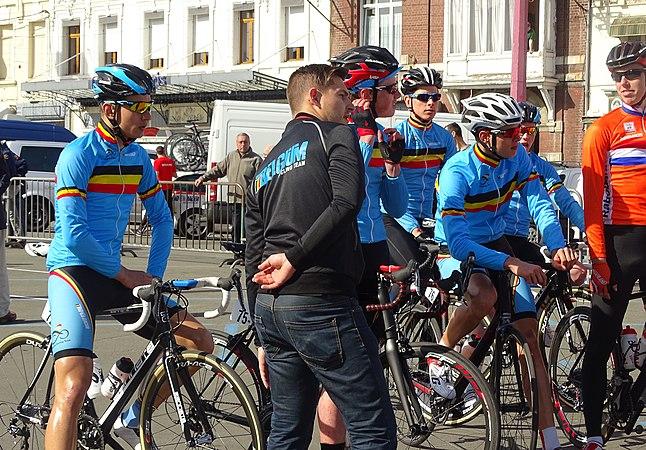 Saint-Amand-les-Eaux - Paris-Roubaix juniors, 12 avril 2015, départ (A61).JPG