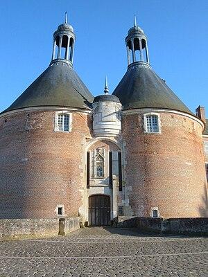 Château de Saint-Fargeau - Entrance of the castle