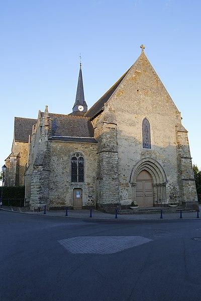 Fr:Église Saint-Médard de Saint-Mars-sous-Ballon: façade ouest.