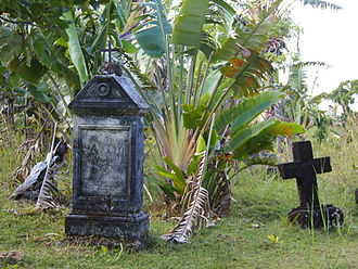 Betsimisaraka people - A pirate cemetery at Nosy Boraha. The zana-malata subset of the Betsimisaraka traced their heritage back to intermarriage between European pirates and Betsimisaraka women.