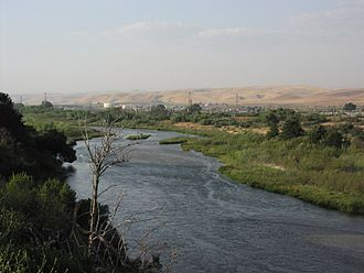 Salinas River (California) - View of the Salinas River near San Ardo in May 2008. During the rainier winter months, the river may occasionally reconnect with Monterey Bay.  The San Ardo Oil Field is visible in the distance.