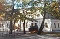 Schulhof+Turnhalle (Luisengymnasium).jpg