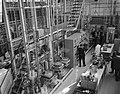 Shell-laboratorium 50 jaar te Amsterdam, dr H van Driel (directeur) tijdens ro, Bestanddeelnr 916-0866.jpg