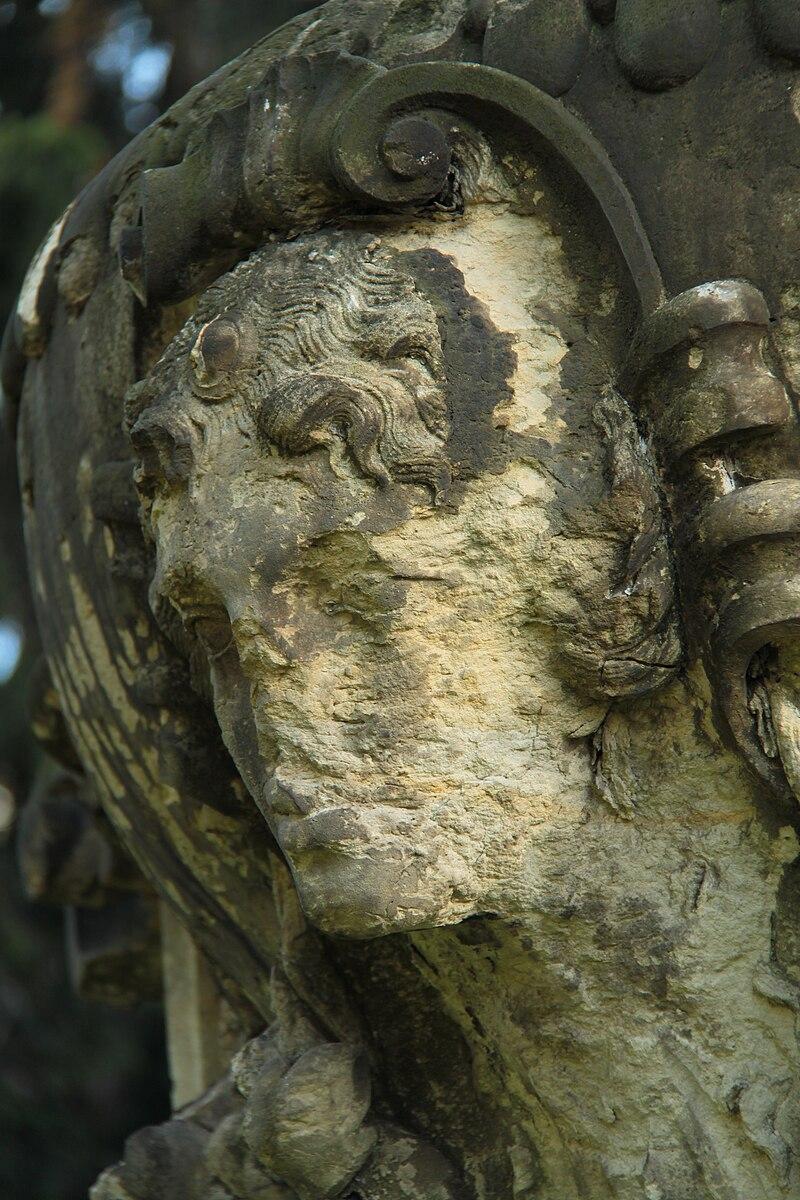 Skulptur aus Sandstein, Dresden 2012-09-06-0555.jpg