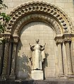 Skulptur des Antonius von Padua, St. Antonius Kirche, Adalbertstraße, Düsseldorf-Oberkassel.jpg