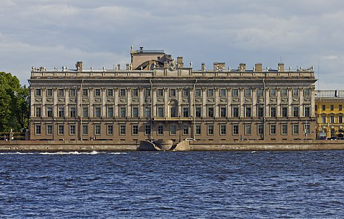 Spb 06-2012 Palace Embankment various 01.jpg