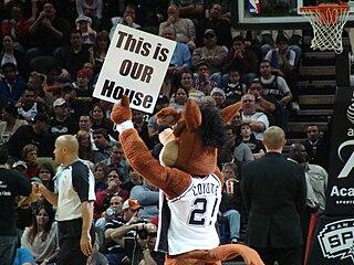 The Coyote (mascot)
