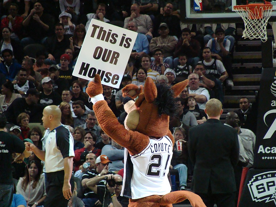 Spurs Coyote sign