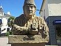 Statue de Jean Brito à Pipriac.jpg