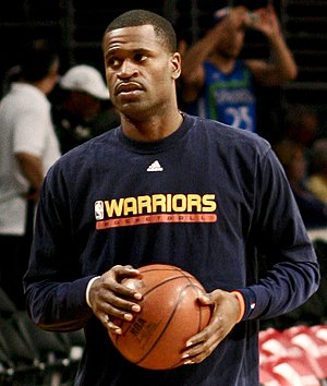 Stephen Jackson warming up before a Warriors/L...
