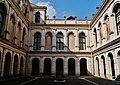 Stra Villa Pisani Außen Cortile Est 3.jpg