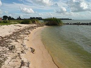 StrandIjsselmeerHoorn.jpg