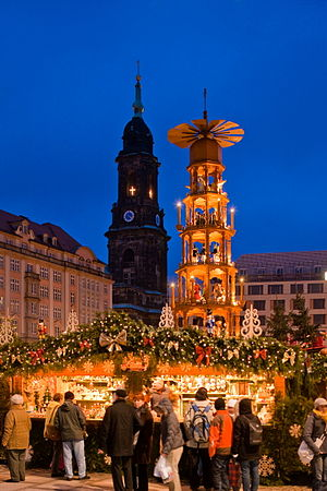 Striezelmarkt - Christmas pyramid with Kreuzkirche in the background