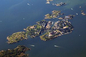 A view of Suomenlinna from a cruiseferry sailing through the narrow Kustaanmiekka strait. (June 2005)