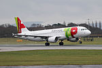 TAP Air Portugal Airbus A320 CS-TNN (25282167149).jpg