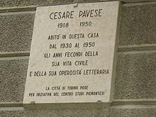 Targa sulla casa di abitazione di Cesare Pavese in Via Lamarmora a Torino