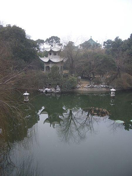 File:Tengwang Pavilion Garden Nanchang Jiangxi China - panoramio.jpg