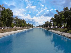 English: It is a view of Thal Canal from a bri...