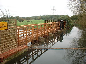 River Loddon - The weir and sluice at Longbridge Mill were refurbished in 2006.