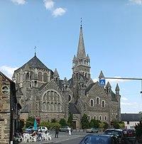 Tinténiac - Église de la Sainte-Trinité 02.jpg