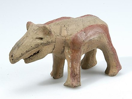 South American tapir earthenware from Suriname, made before 1914 Tropenmuseum Royal Tropical Institute Objectnumber 7-106 Aardewerken tapir.jpg