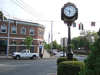 Tuckahoe (village), New York - Commercial District near Crestwood Train Station