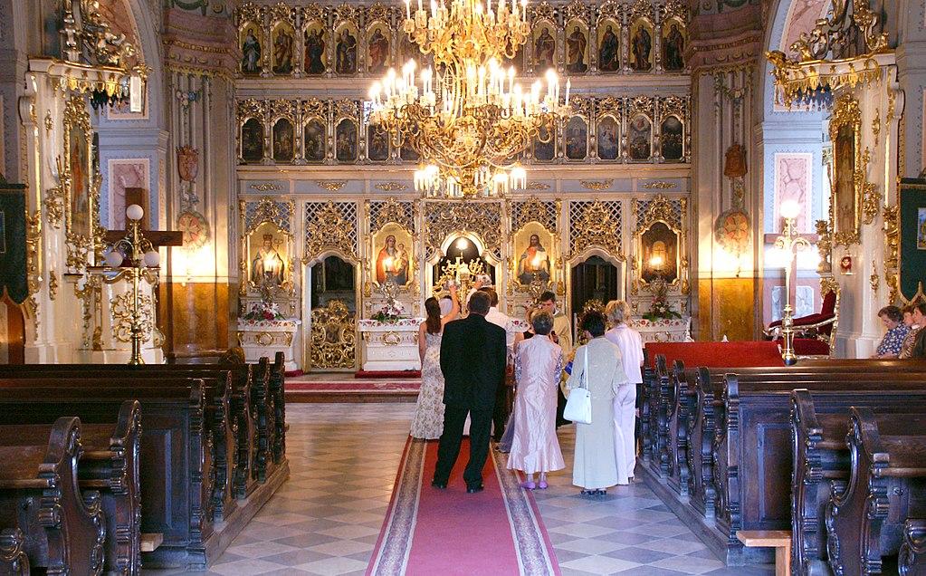 Užhorod, Katedrála Povýšení svatého Kříže, interiér.jpg