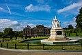 UK - London (30395033772).jpg