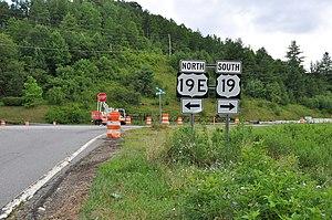 U.S. Route 19 in North Carolina - US 19/US19E switch at Cane River
