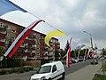 Ulica Redarowska w Poznaniu - przystrojenie z okazji przybycia kopii obrazu Matki Boskiej Częstochowskiej - maj 2019.jpg