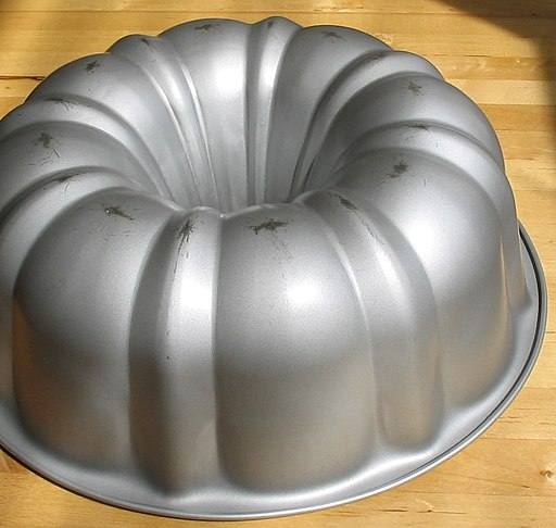 Upside down Bundt pan