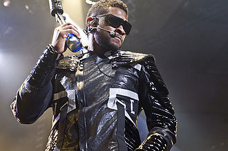 Usher (musician) - Usher on the OMG Tour