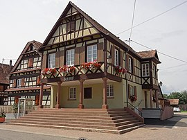 The town hall in Uttenheim