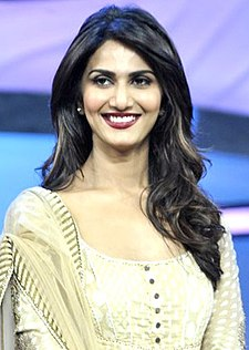 Vaani Kapoor promoting 'Shuddh Desi Romance' on DID Super Moms.jpg
