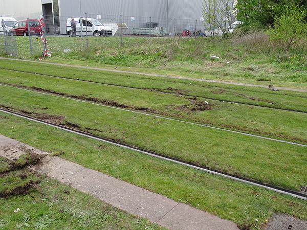 Valenciennes & Anzin - Déraillement de la rame de tramway n° 17 à la sortie du dépôt de Saint-Waast le 11 avril 2014 (122).JPG