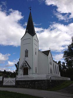 Varaldsoy kirke 1.JPG