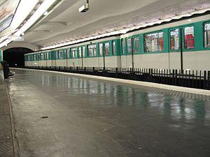 Vavin (Paris Métro) - Image: Vavin MP 59