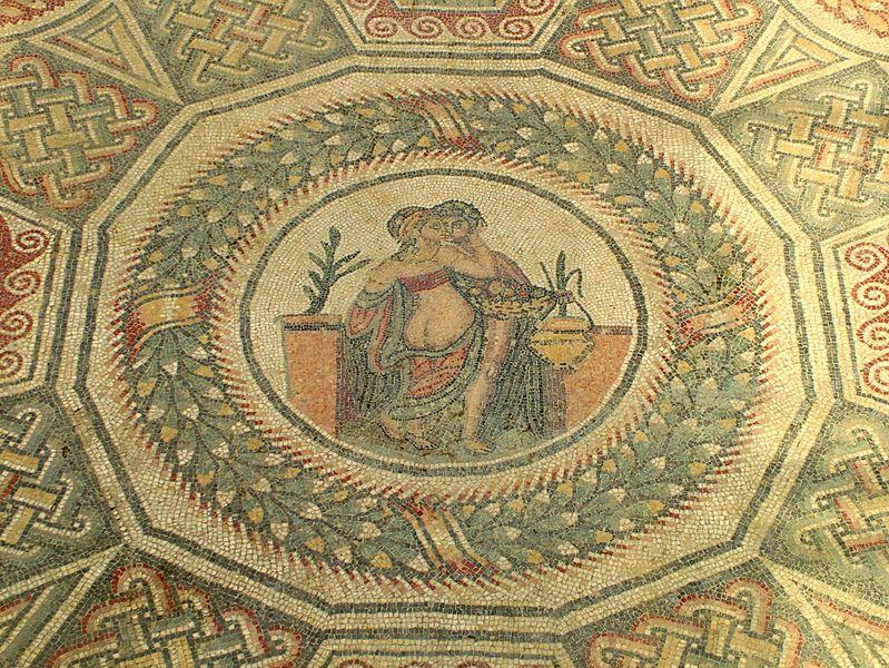 Archivo:Villa Romana del Casale Schlafzimmer Mitte modified.jpg