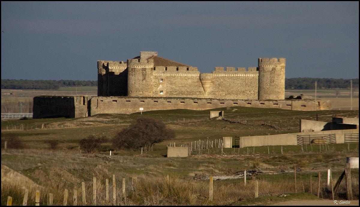 Castillo De Castronuevo Wikipedia La Enciclopedia Libre
