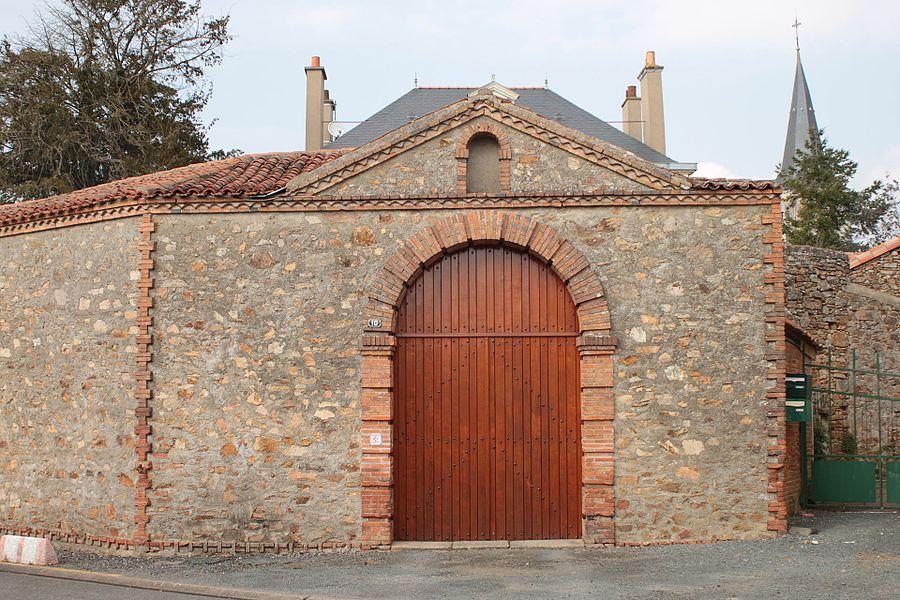 Porte de l'ancienne cure de Saint-Léger, Fr-49-Saint-Léger-sous-Cholet