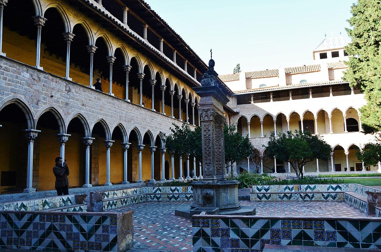 File:WLM14ES - Claustre Reial Monestir de Pedralbes, Les ...
