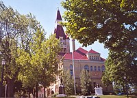 WashingtonCountyWisconsinCourtHouse.jpg